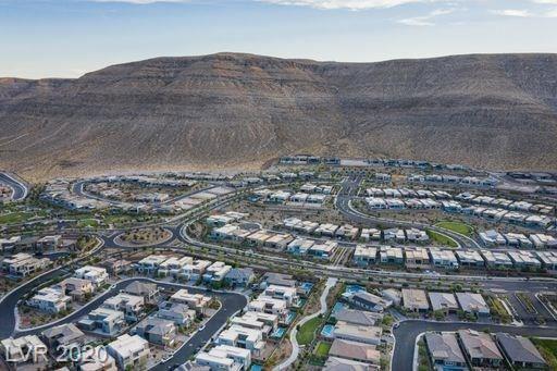 10322 Jade Gardens, Las Vegas, NV 89135