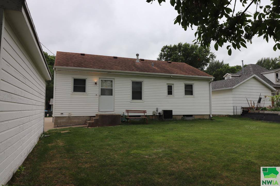 1313 W 21st St., Sioux City, IA 51103