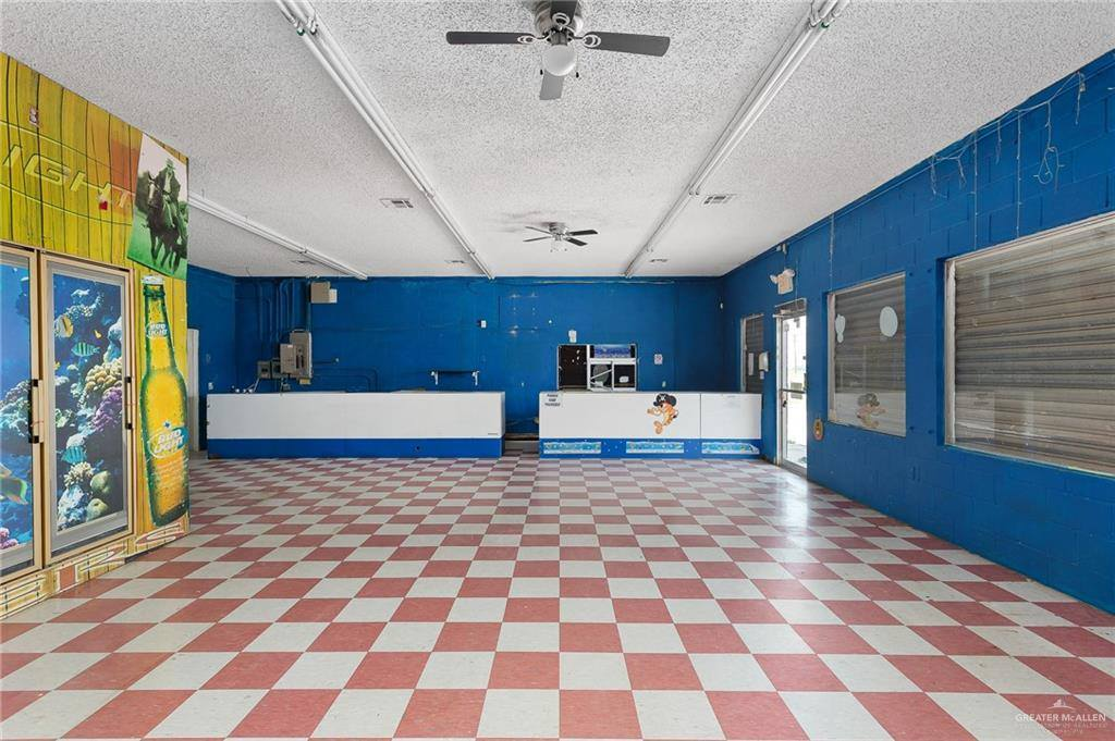 910 West Edinburg Avenue, Elsa, TX 78538