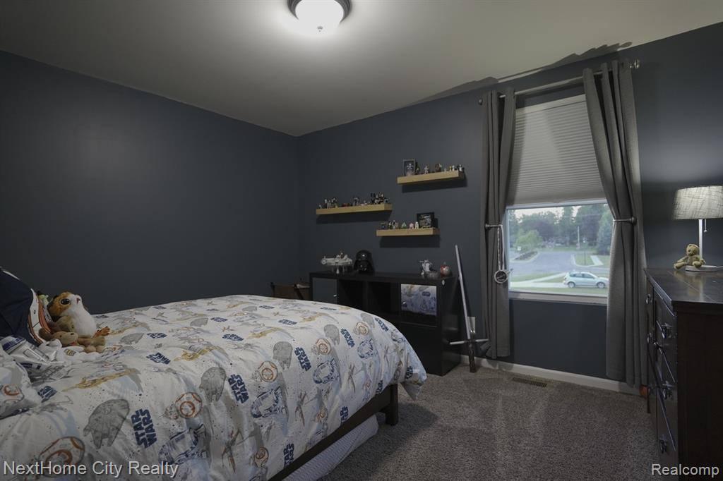 6047 Amber Lane, Grand Blanc Township, MI 48439