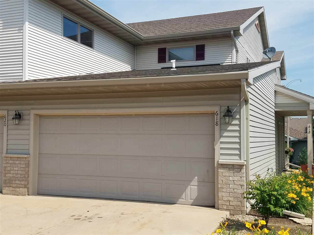 618 Military Ridge Dr, Verona, WI 53593
