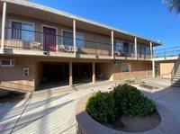 404 South Chestnut Avenue, Fresno, CA 93702