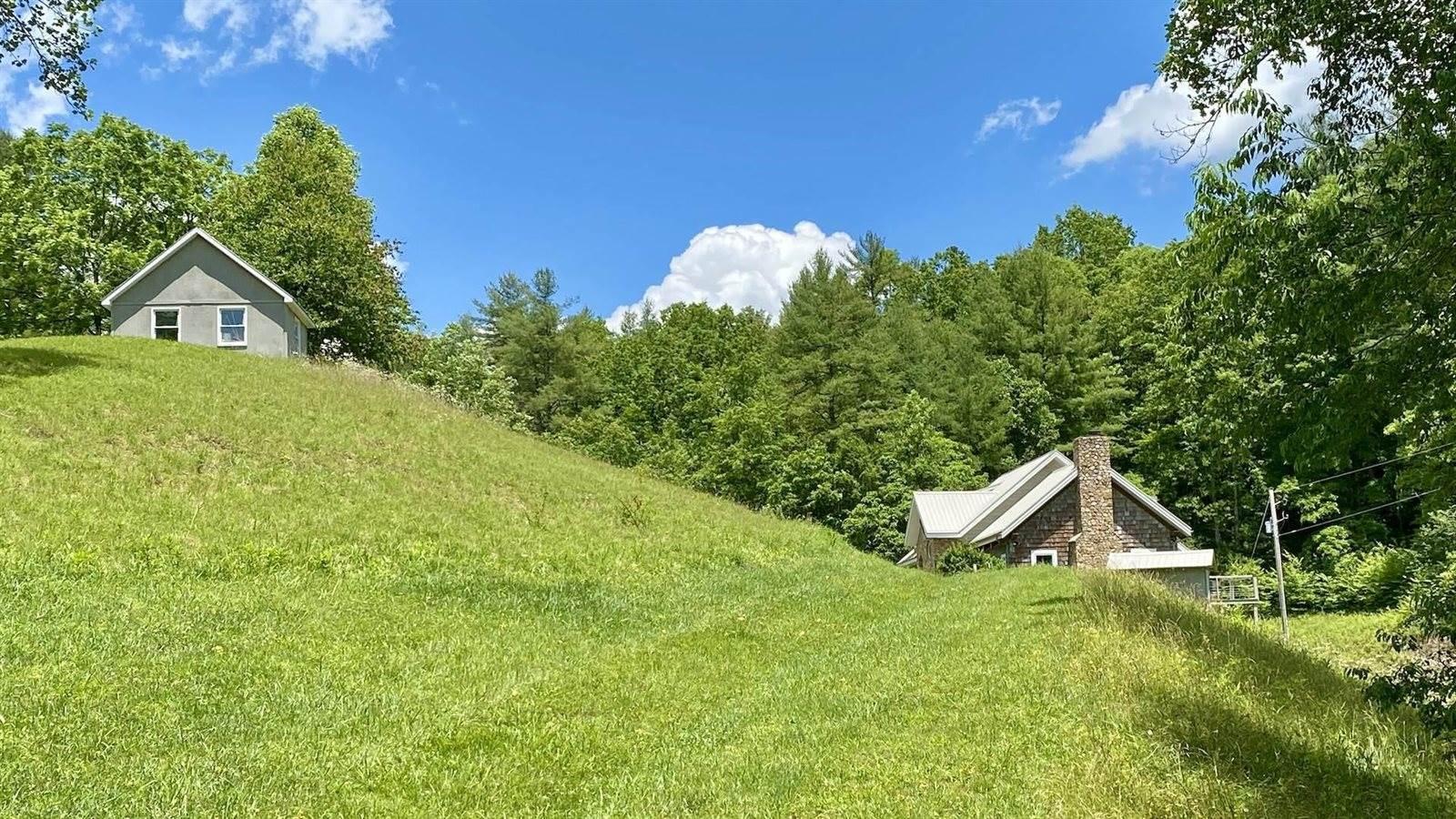 584 Old Wildcat Trail, Hillsville, VA 24343