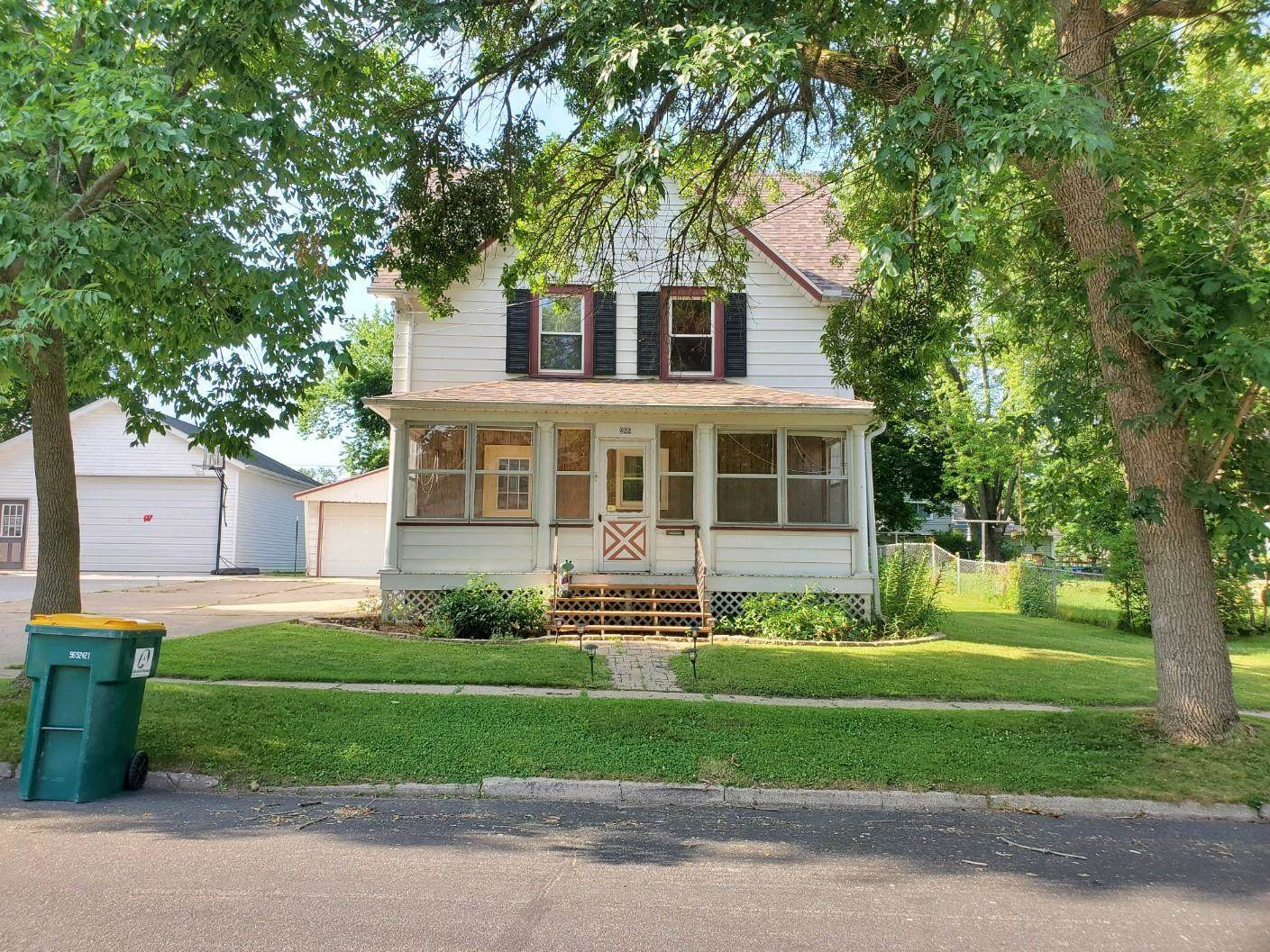 422 Converse St, Fort Atkinson, WI 53538