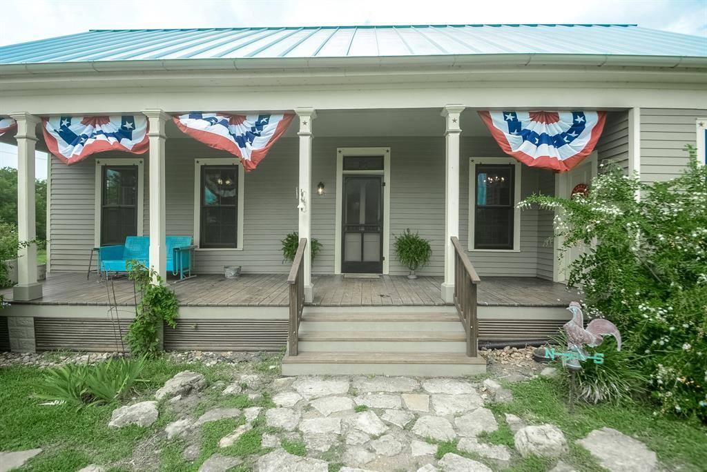 6900 Schroeder Road, Brenham, TX 77833