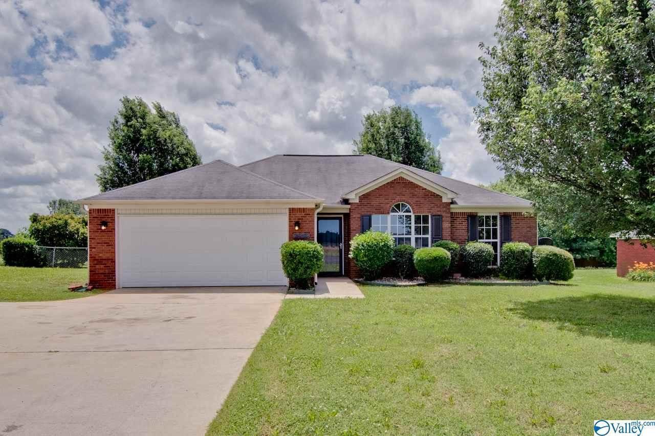 6852 Moores Mill Road, Huntsville, AL 35811