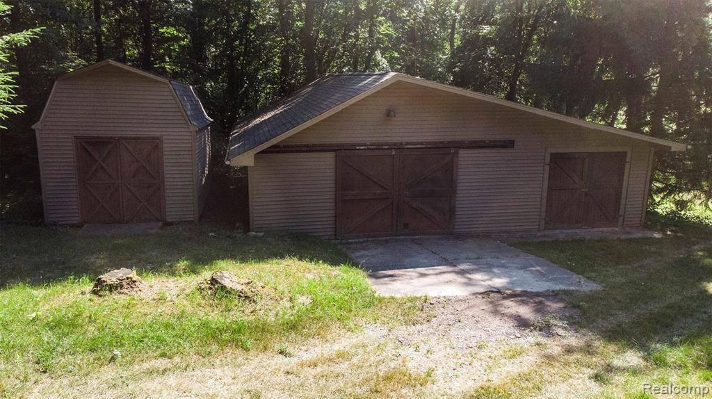 175 Barr Road, Addison Township, MI 48370