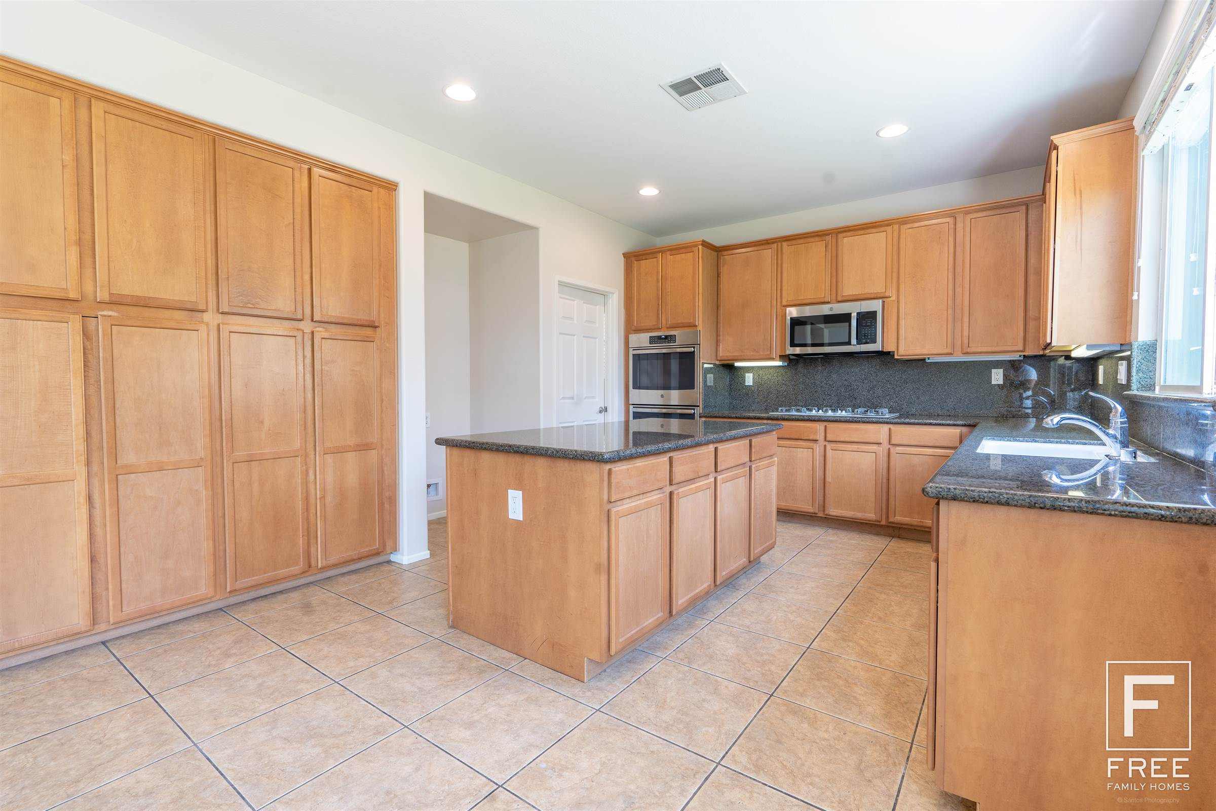 13697 Hunters Run Court, Eastvale, CA 92880