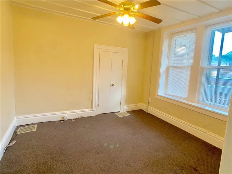 215 Woodkirk St, Carnegie, PA 15106