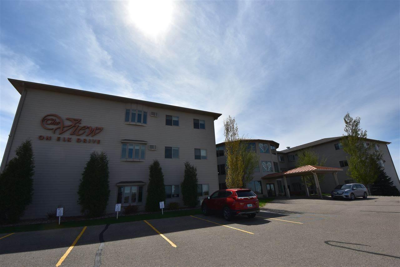 2905 Elk Drive SW, Minot, ND 58701