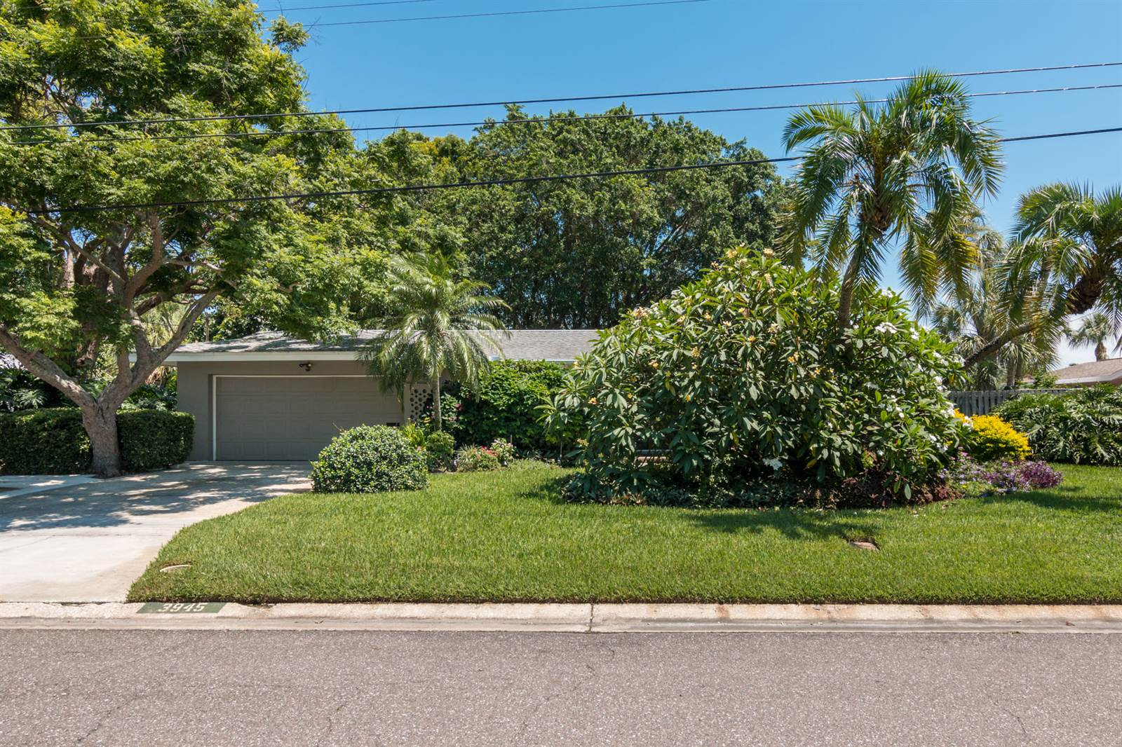 3945 49th Ave S, St Petersburg, FL 33711