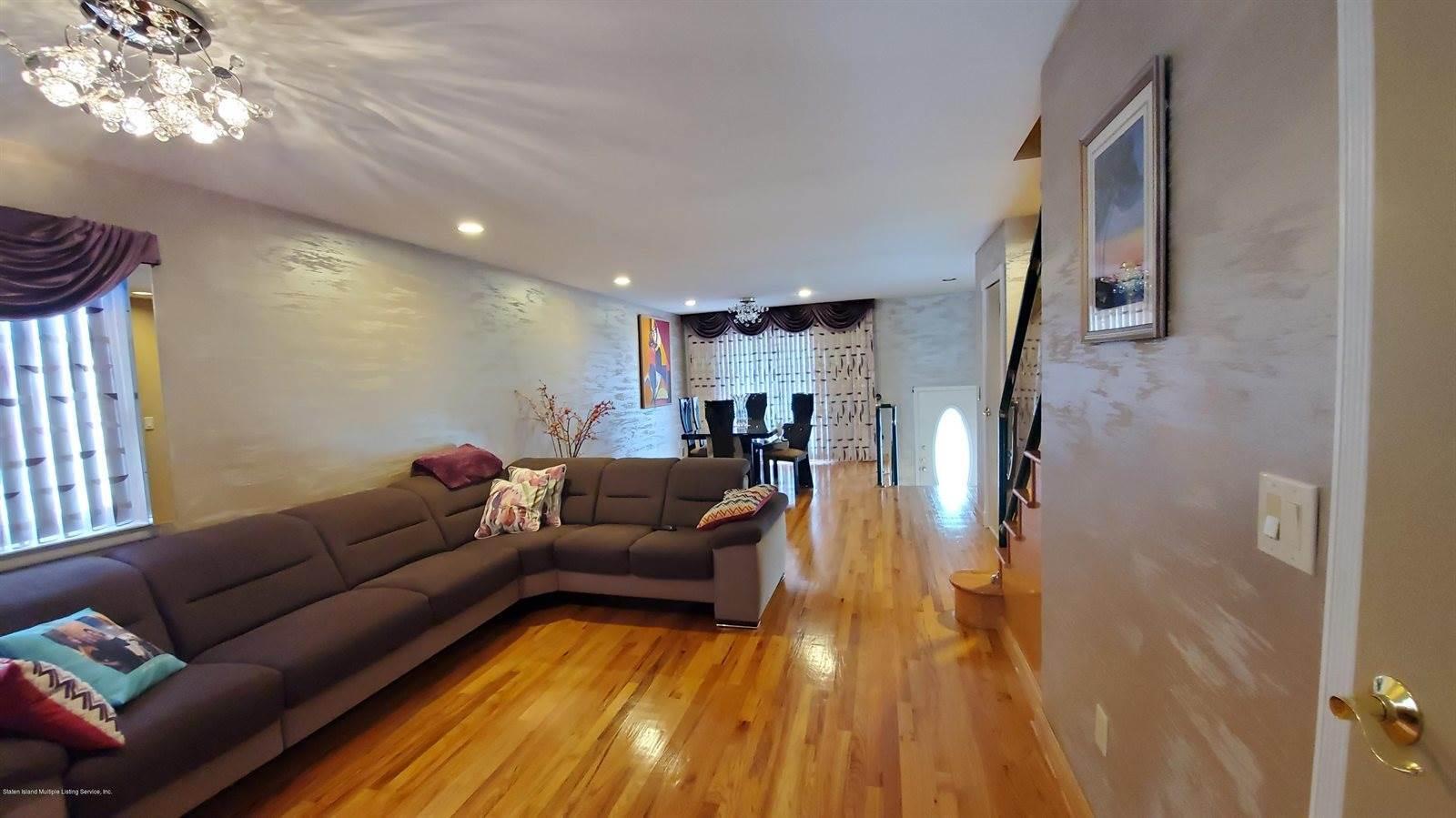 426 Stobe Avenue, Staten Island, NY 10306