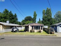 2629 Fir St, North Bend, OR 97459
