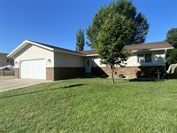 1444 Billings Drive, Bismarck, ND 58504
