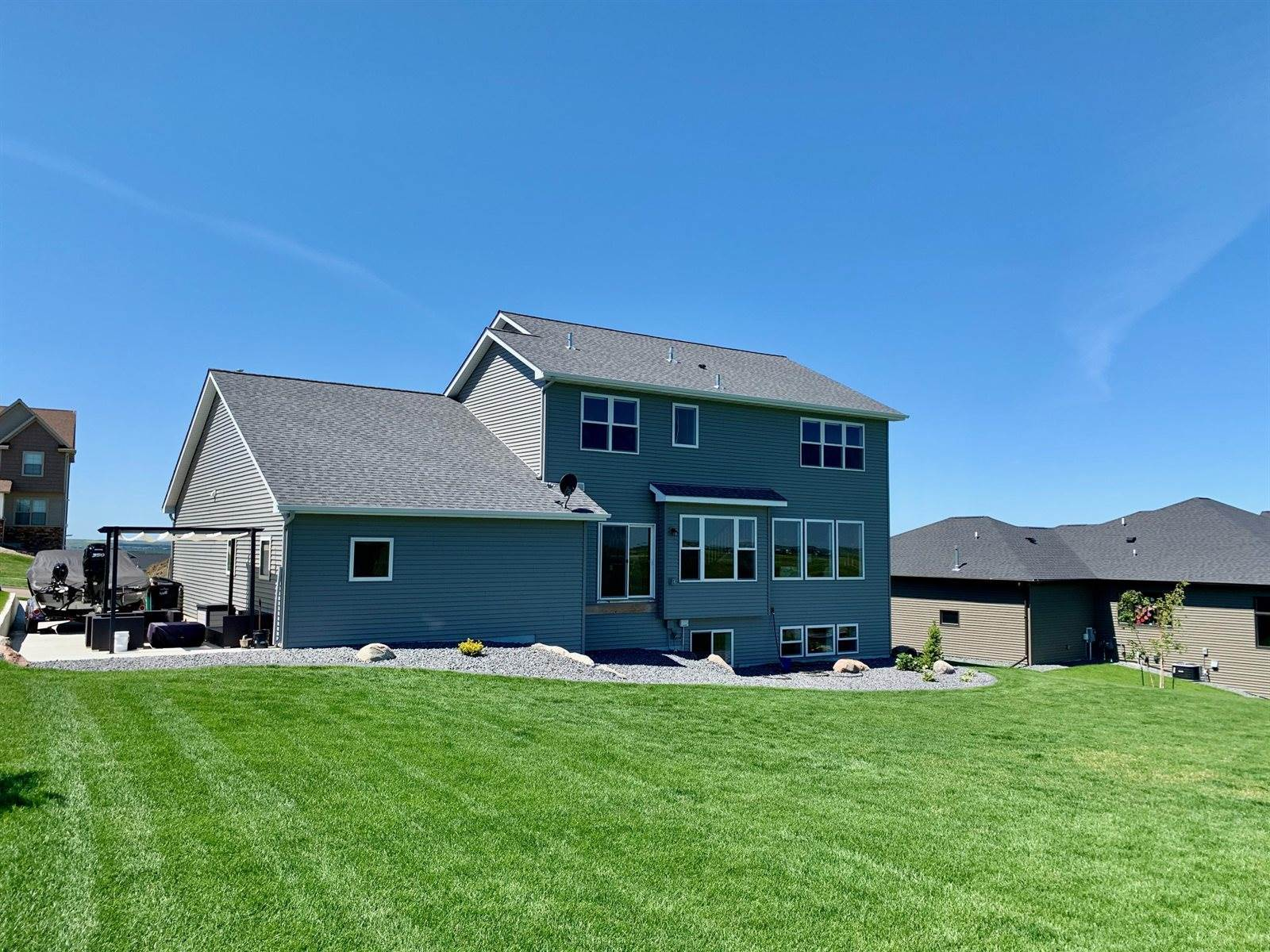 3911 Valley Drive, Bismarck, ND 58503