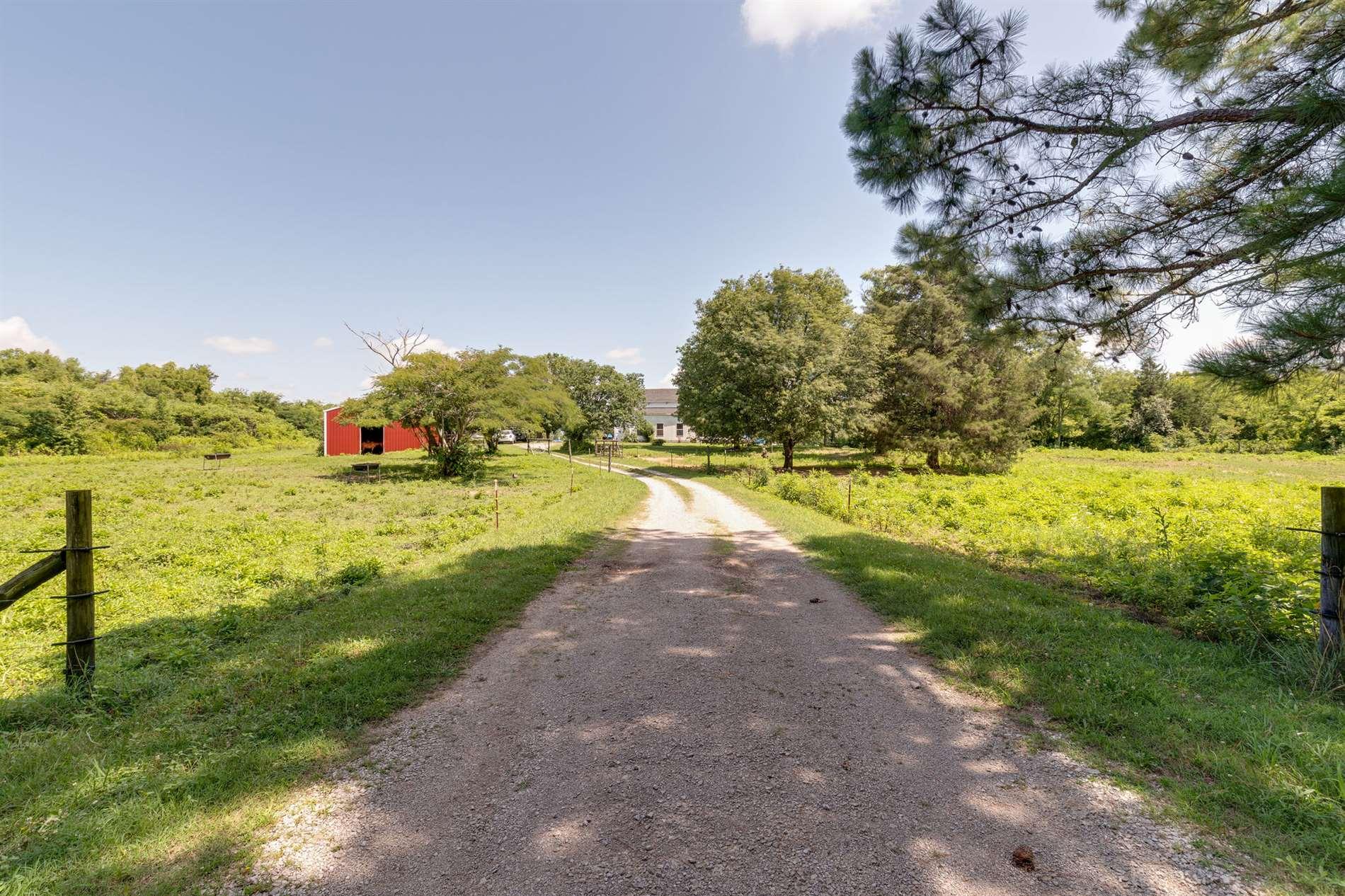 2791 Round Hill Rd, Lewisburg, TN 37091