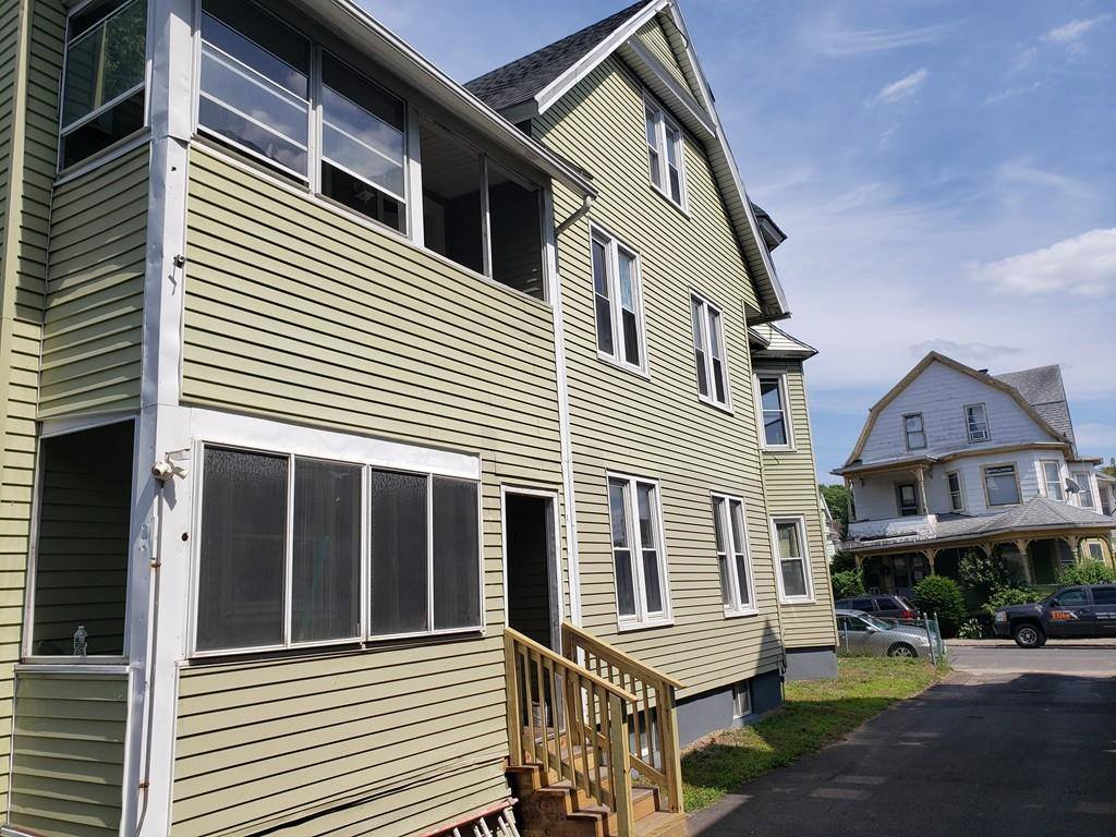 22 Wendell Pl, Springfield, MA 01105