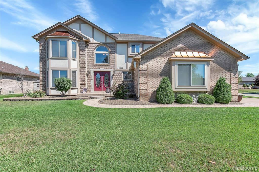 52267 Stag Ridge Drive, Macomb Township, MI 48042