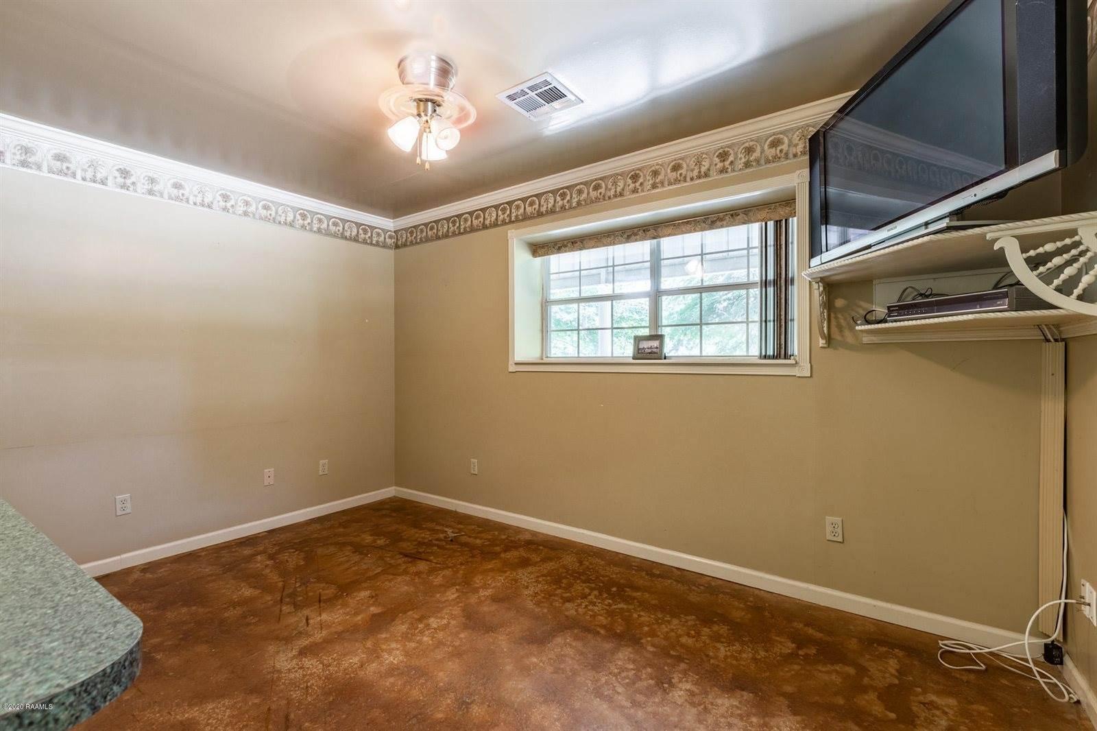 135 Shelby Oaks Lane, Lafayette, LA 70507