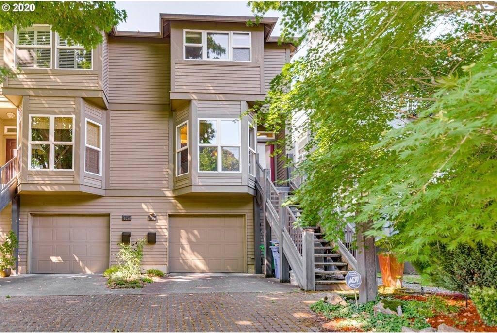 1805 NE Halsey St, Portland, OR 97232