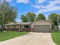 527 W 54th St S, Wichita, KS 67217