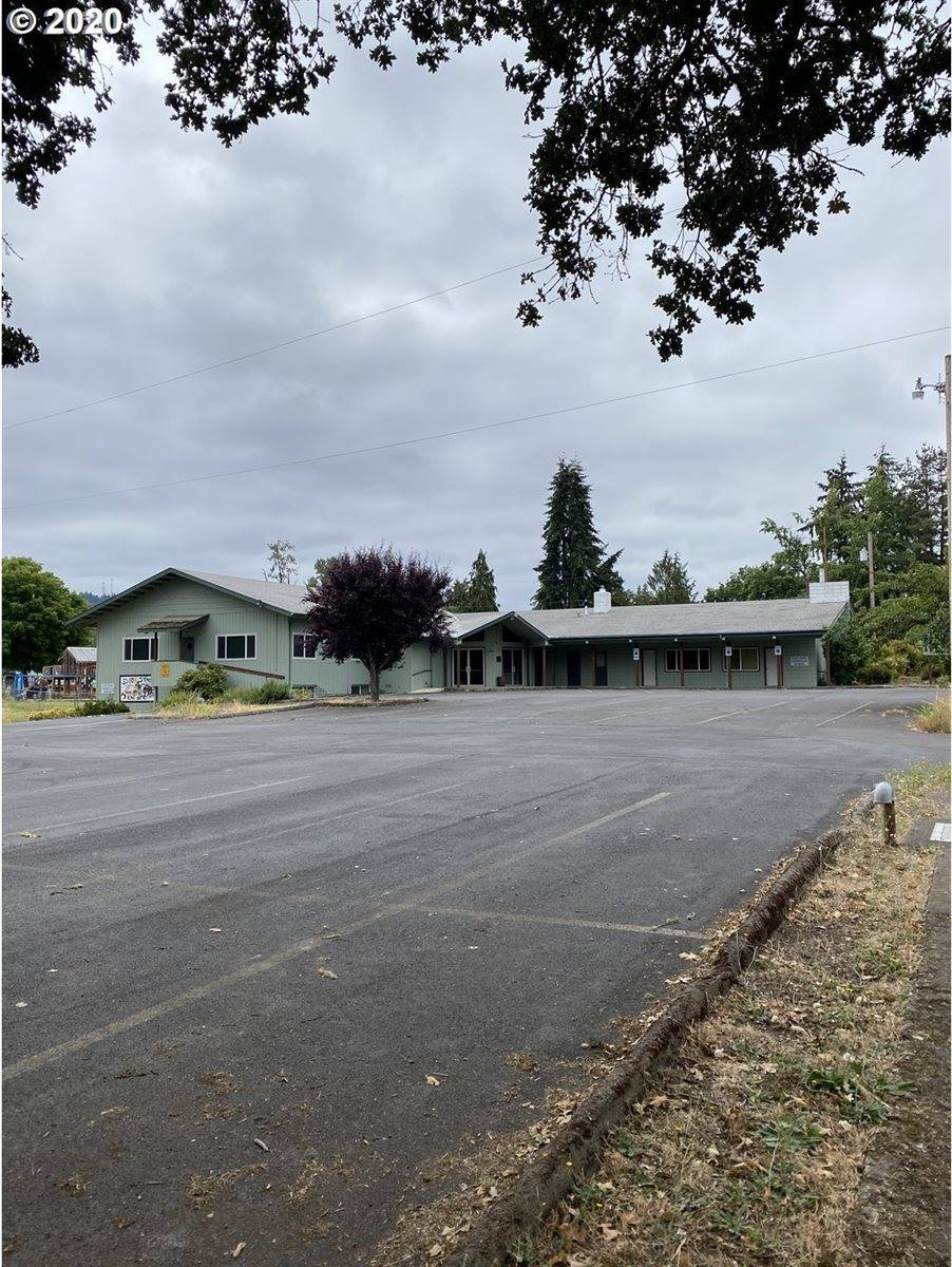 152 South M St, Cottage Grove, OR 97424