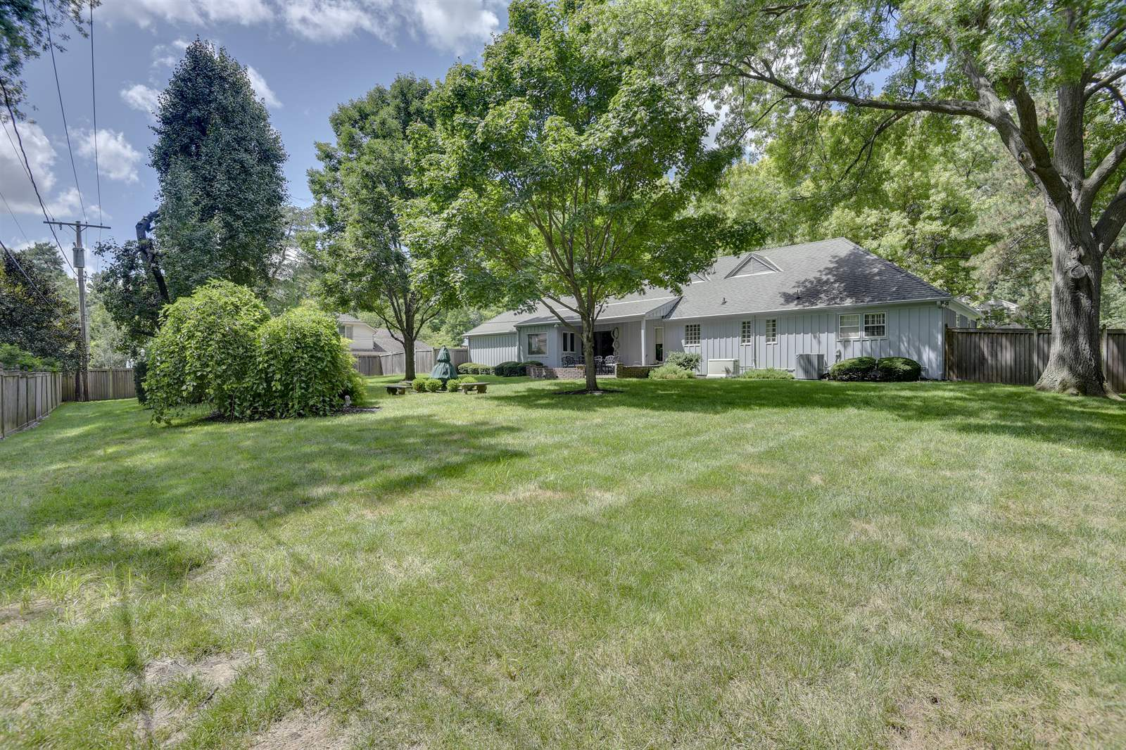 2517 W 68th Street, Mission Hills, KS 66208