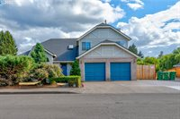 12550 SW Edgewater Ct, Tigard, OR 97223