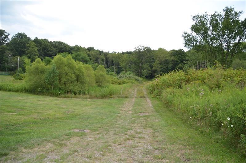1000 Hyde Park Rd, Leechburg, PA 15656