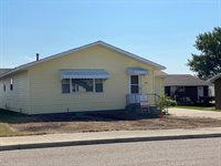 2014 9th Ave East, Williston, ND 58801