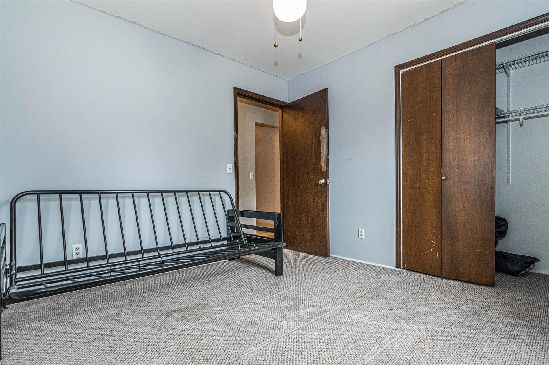 715 W 5th Street, Chapman, KS 67431