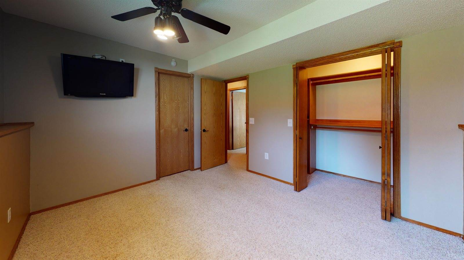 3241 Arizona Drive, Bismarck, ND 58503