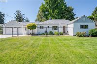 8613 SE Fuller Rd, Happy Valley, OR 97086