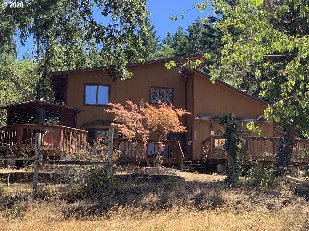620 Seven Springs Ln, Roseburg, OR 97471
