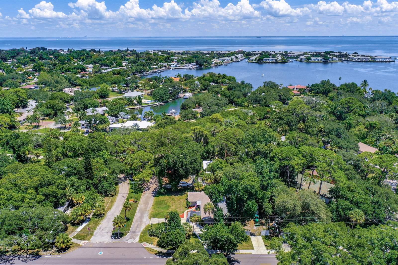 320 Lake Maggiore Blvd S, St Petersburg, FL 33705