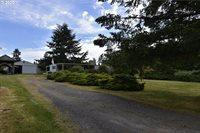 17012 South Robertson Ln, Oregon City, OR 97045