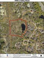 1840 East Valley Road, Bloomfield Hills, MI 48304