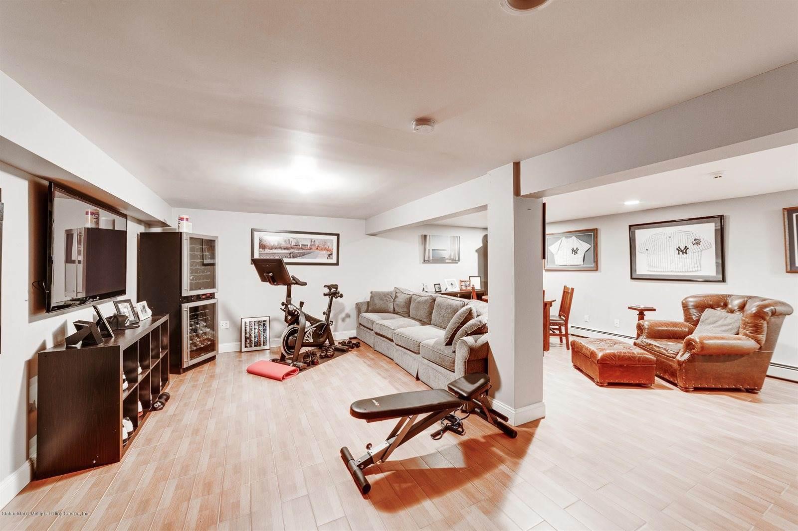 30 Troy Street, Staten Island, NY 10308