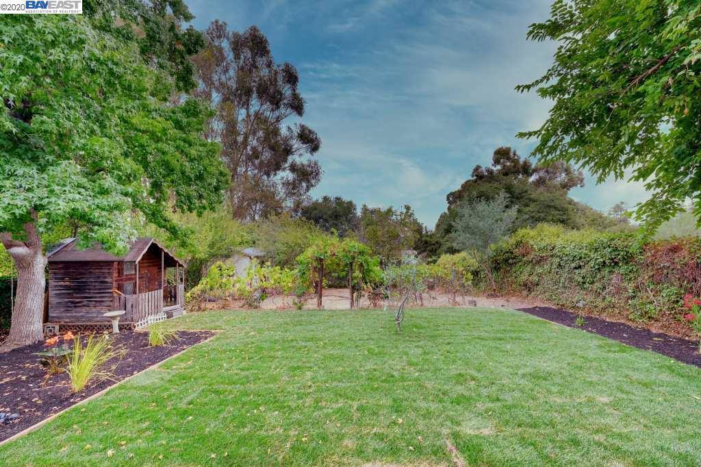 1612 East Ave, Hayward, CA 94541
