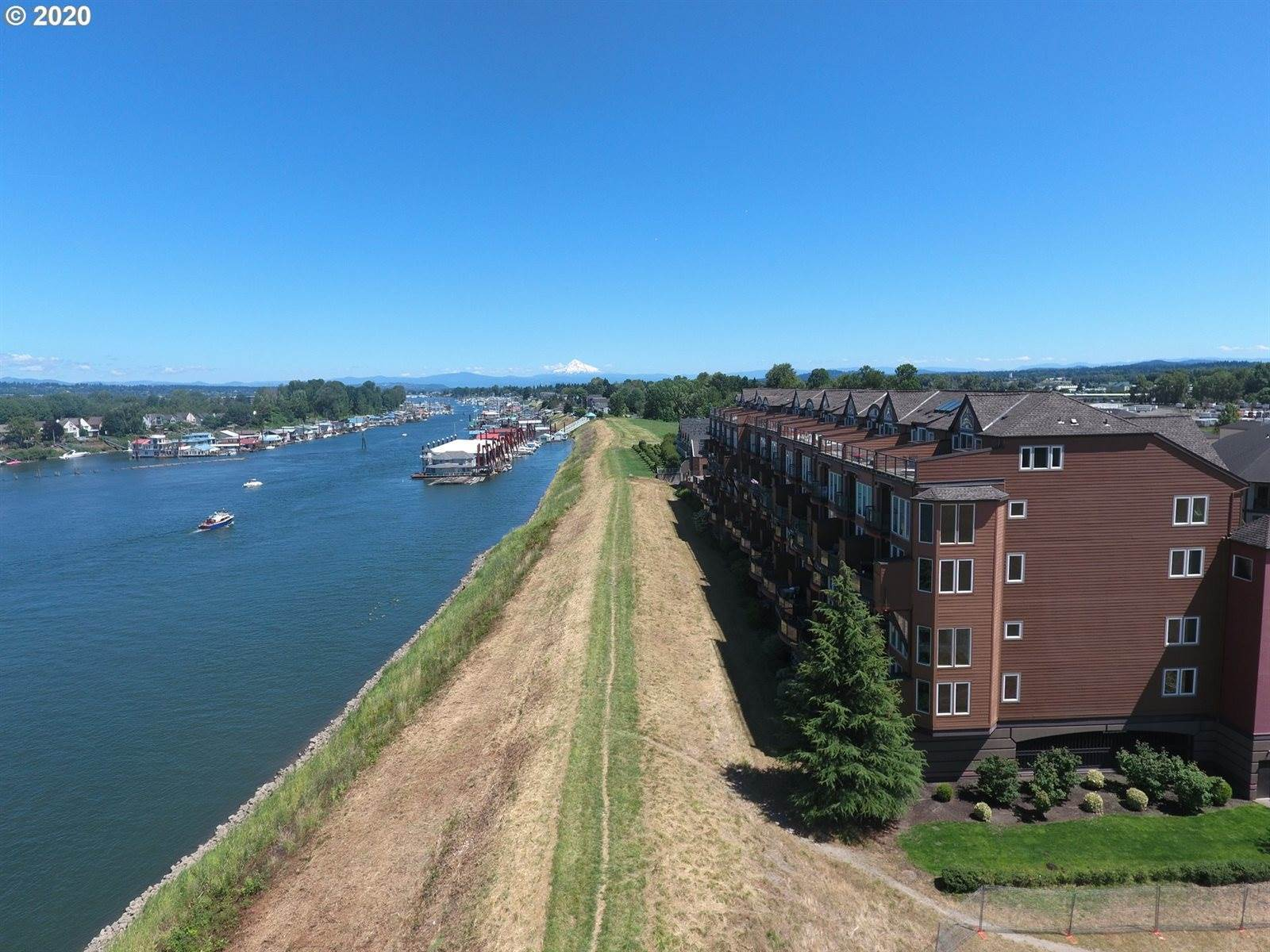 905 North Harbour Dr, #26, Portland, OR 97217