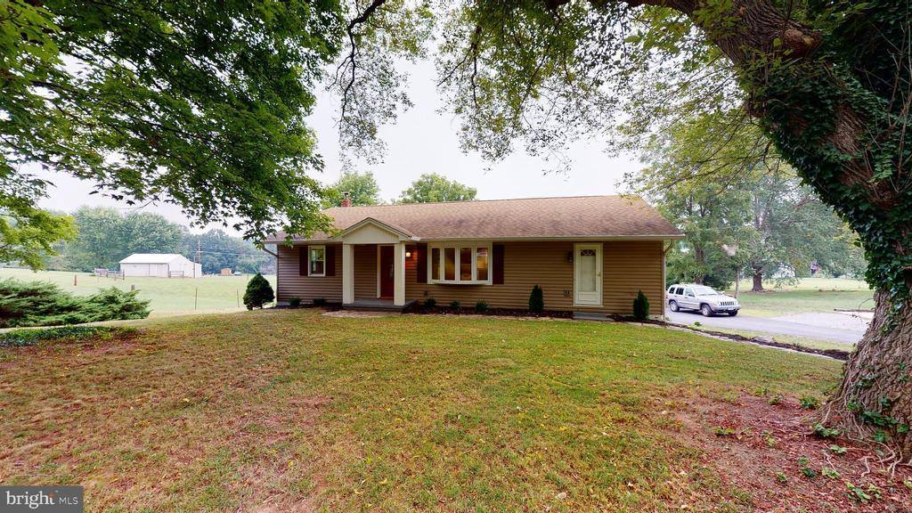 7175 Martinsburg Road, Berkeley Springs, WV 25411