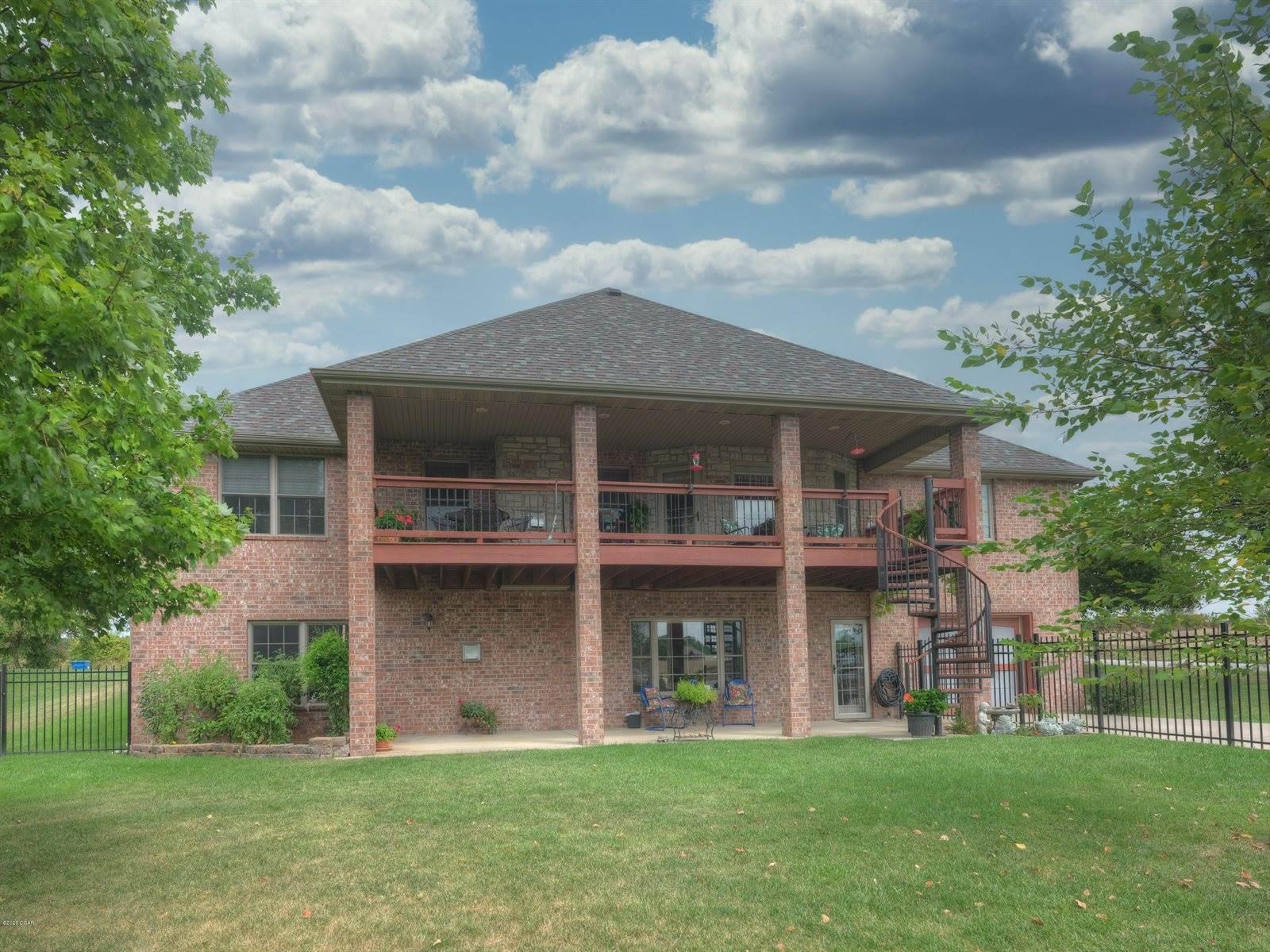 2302 East Hawkins Court, Ozark, MO 65721
