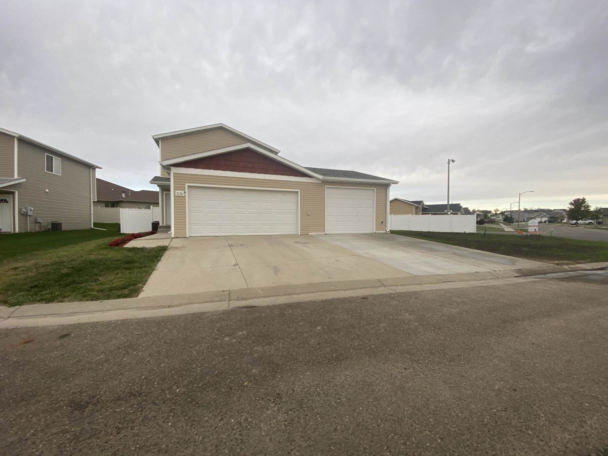 1136 Madison Lane, Bismarck, ND 58503