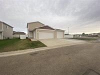 1136 Madison Lane, Bismarck, ND 58503