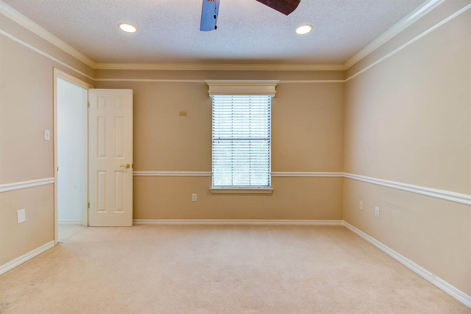 2354 Park Place Dr, Gulfport, MS 39507