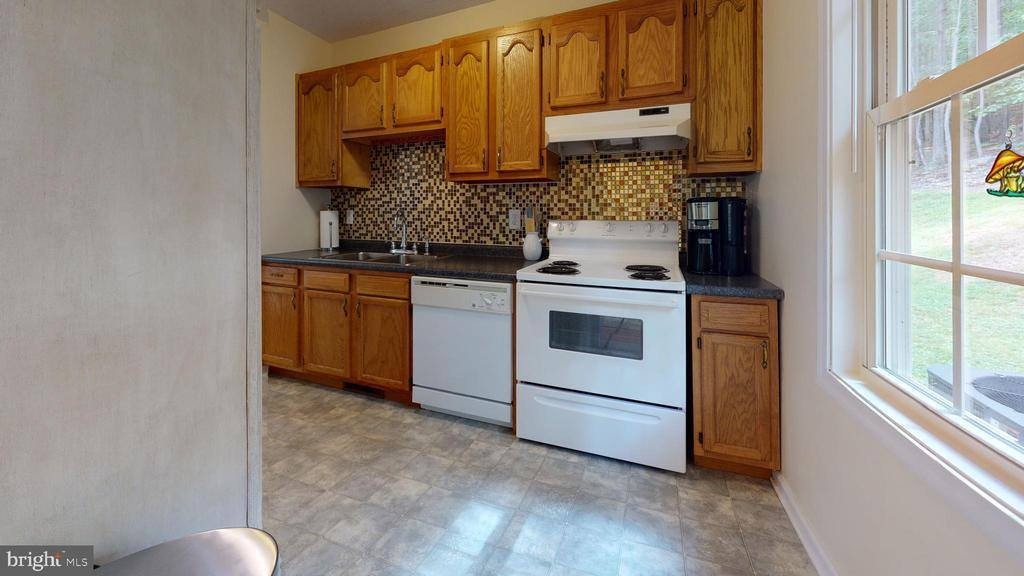 336 Windsong Rd, Harpers Ferry, WV 25425