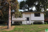 30 12TH ST SW, LeMars, IA 51031