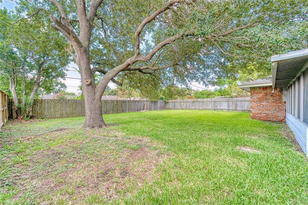 7338 Carew Street, Houston, TX 77074