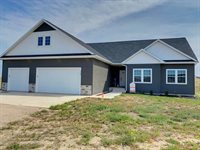 5988 Juniper Dr NW, Williston, ND 58801