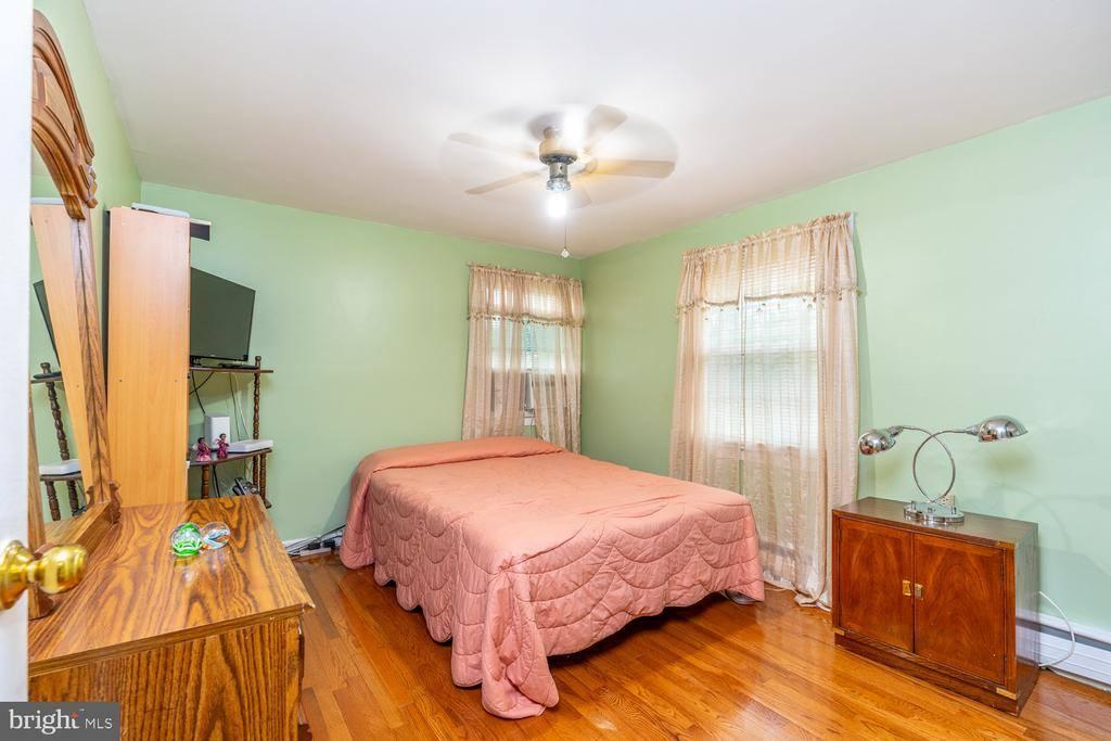 41 Beaverdale Lane, Willingboro, NJ 08046